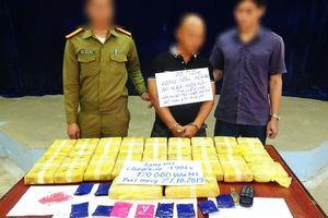 Tạm giữ đối tượng người Lào vận chuyển 120.000 viên ma túy tổng hợp về Việt Nam