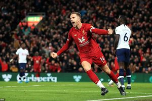 11m giúp Liverpool thắng ngược Tottenham kịch tính tại Anfield