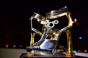 'Choáng váng' đôi giày đắt nhất thế giới có giá 460 tỷ đồng