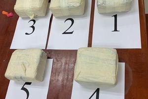 Bắt 9X người Campuchia vận chuyển 5 kg ma túy tại Mộc Bài