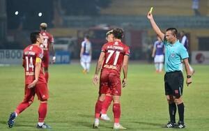 Khi HLV Chung nói trọng tài bắt có lợi cho Hà Nội FC trên báo Hàn Quốc