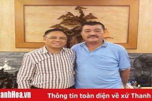 Tập đoàn bất động sản Đông Á tài trợ 30 triệu đồng cho Hội CĐV bóng đá Thanh Hóa cổ vũ đội nhà trong trận play-off