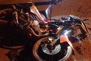 Va chạm với ô tô đi ra từ trong ngõ, một người đi xe máy tử vong