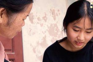 Người giúp việc 15 năm nuôi con gái của chủ cũ bỏ lại
