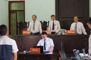 Vụ gỗ khô: Ba thẩm phán tuyên không phạm tội bị kiểm điểm