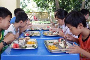 Chuẩn hóa thực đơn bán trú tiểu học ở Yên Bái
