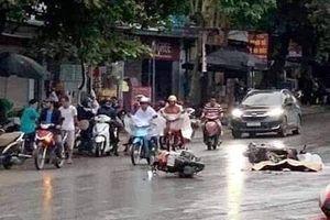 Va chạm giữa 2 xe máy, một người bị xe bồn cán tử vong