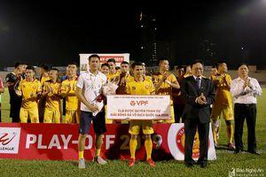 Thắng nghẹt thở Phố Hiến, CLB Thanh Hóa trụ hạng V.League đầy cảm xúc