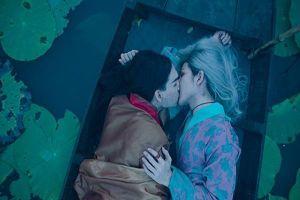 Không phải âm nhạc, thứ đáng nhớ nhất trong MV đam mỹ của Nguyễn Trần Trung Quân lại là nụ hôn đồng giới