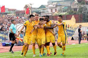 Trận play-off giữa Thanh Hóa và Phố Hiến: Kẻ khóc, người cười