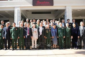 Tổng Bí thư, Chủ tịch nước Lào Bounnhang Vorachith tiếp Đoàn đại biểu cựu Quân tình nguyện và chuyên gia Việt Nam tại Lào