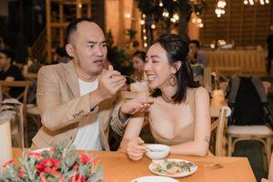 Thu Trang: 'Tôi và Tiến Luật đi lên từ gian khó, có được ngày hôm nay là hạnh phúc'