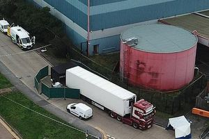 Lộ diện tiếp hai nghi phạm mới và công ty 'bí ẩn' liên quan tới vụ 39 người chết tại Anh