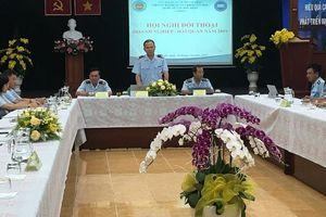 Hải quan sân bay Tân Sơn Nhất tháo gỡ khó khăn cho doanh nghiệp
