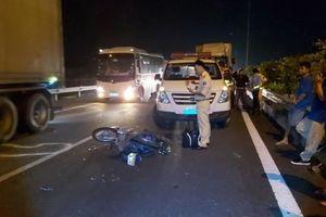 Báo động tình trạng mô tô xe máy chạy vào đường cao tốc Trung Lương-TP.HCM