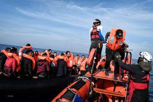 104 người di cư cập cảng Italy sau khi Pháp và Đức đồng ý tiếp nhận