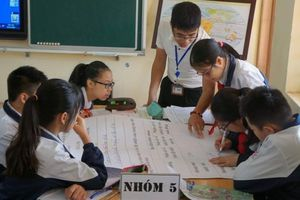 Thầy giáo gây 'nghiện' môn địa lý nhờ sáng tạo trong cách dạy