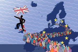Di cư bất hợp pháp: Bài toán hóc búa không chỉ của nước Anh