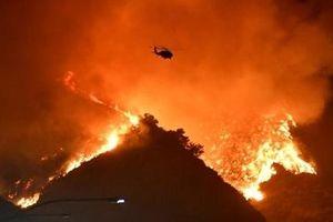 California oằn mình trong bão lửa, cắt điện diện rộng lần thứ 4