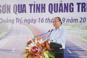 Thủ tướng: Cao tốc Cam Lộ - La Sơn phải là dự án mẫu mực, chống thất thoát