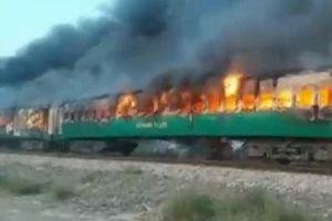 Pakistan: Thảm kịch đường sắt chỉ vì đem bếp gas nấu ăn lậu trên tàu