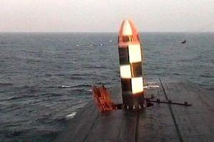 Nga phóng thử tên lửa Bulava lần đầu tiên – mạnh tới nhường nào?!