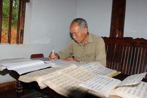 Già bản người Dao hiến tặng đất để xây trường học và dạy chữ miễn phí