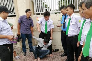 Nhà báo lao xe cùng tài xế bắt 'nóng' tên cướp giật