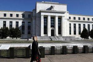 Fed hạ lãi suất đồng USD lần thứ 3 trong năm, phát tín hiệu tạm hoãn