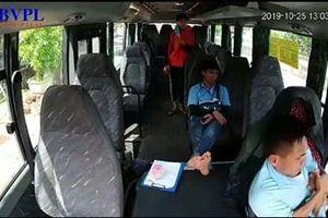 Lái xe buýt bị vợ chồng chủ xe khách hành hung: Người chồng lên công ty xe buýt xin lỗi
