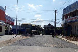 Tai nạn rình rập nút giao đường Thanh Niên vì cột điện án ngữ