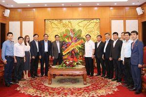 Đồng chí Phạm Minh Chính, Ủy viên Bộ Chính trị, Bí thư Trung ương Đảng, Trưởng Ban Tổ chức Trung ương chúc mừng Ban Đối ngoại Trung ương nhân kỷ niệm 70 năm Ngày truyền thống