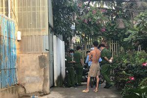 Gã giang hồ nghịch súng bắn chết bạn ở Sài Gòn, thi thể bị kéo ra bỏ ngoài vỉa hè