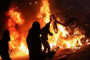 Toàn cảnh bạo loạn khiến Chile hủy tổ chức APEC, COP 25