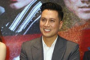 Phản ứng của đạo diễn Khải Hưng khi Việt Anh công khai xin lỗi vì 'đụng dao kéo' lúc đang làm phim
