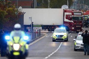 Vụ 39 người chết trên xe tải: Thêm một người bị buộc tội
