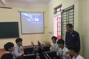 Gặp Hiệu trưởng tiên phong quản lý giáo án online
