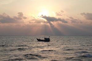Cuộc sống yên bình khi hoàng hôn xuống của người dân trên đảo Bạch Long Vĩ