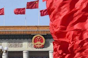 Bắc Kinh thề bình ổn Hồng Kông, không nhắc gì đến căng thẳng thương mại Mỹ - Trung