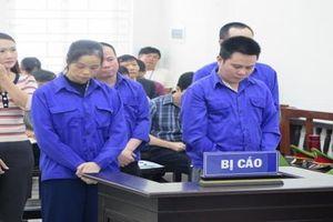 Xét xử 5 bị cáo trong đường dây lừa 'chạy việc'