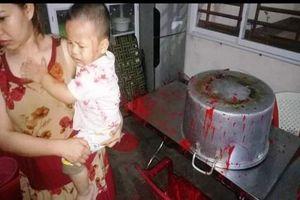 Gia Lai: Bị 'khủng bố' bằng chất bẩn, chủ cơ sở nước uống kêu cứu