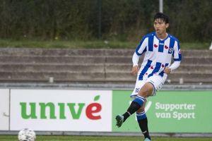 HLV Hà Nội FC chỉ ra vấn đề khiến Đoàn Văn Hậu gặp khó ở SC Heerenveen