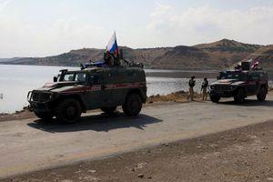 Nga điều 300 binh sỹ, 20 xe thiết giáp tuần tra miền Bắc Syria