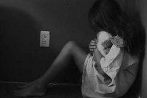 Thanh niên đưa bạn gái nhí vào nhà nghỉ quan hệ