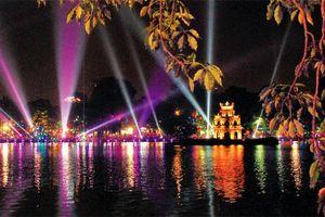 Thơ mộng Hồ Gươm