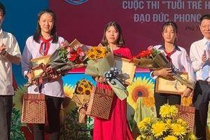 Trao giải vòng loại cuộc thi 'Học tập và làm theo tư tưởng đạo đức, phong cách Hồ Chí Minh'