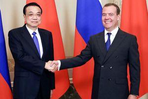 Thủ tướng Trung Quốc gặp Thủ tướng Nga bên lề cuộc họp của SCO