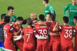 ĐT Việt Nam bổ sung lực lượng, HLV Park Hang-seo vui như trẩy hội trong buổi tập thứ 6