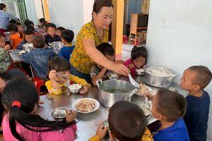 Hà Giang: Cân bằng dinh dưỡng cho bữa ăn học đường