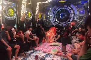 Quán karaoke trang bị chăn nệm cho dân chơi 'phê' ma túy